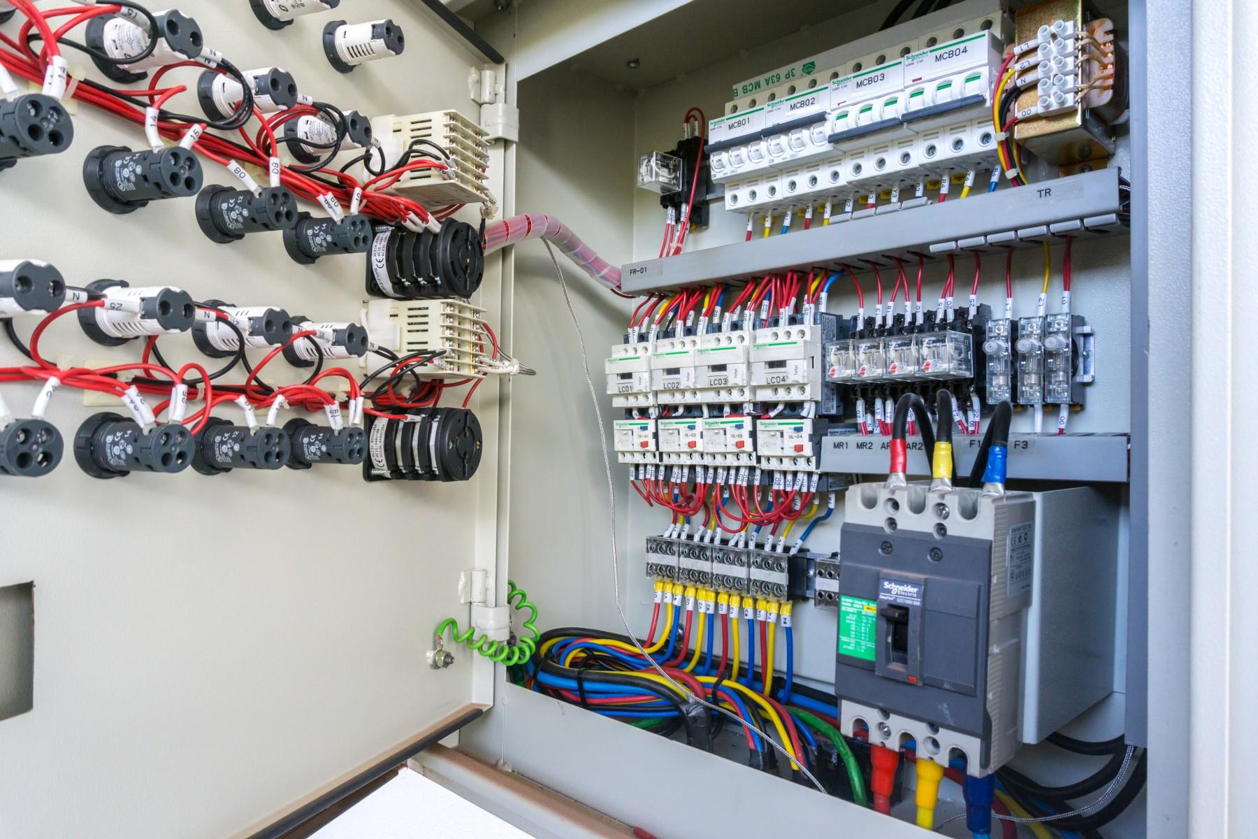 Schemi Quadri Elettrici Industriali : Dmz technology automazione industriale & quadri elettrici italia